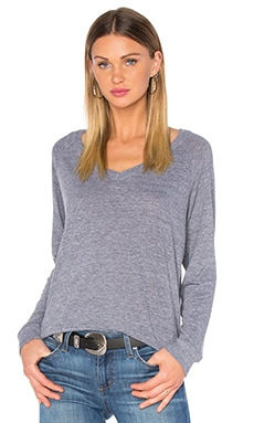 V Neck Raglan Sweatshirt in Heather Grey