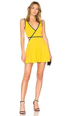 Купить Приталенное расклёшенное платье roulette - NBD желтого цвета