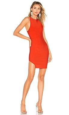 Мини платье с асимметричным подолом stephanie - NBD
