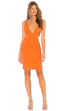 Фото - Мини платье с вырезом sophia - NBD оранжевого цвета