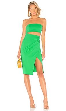 Фото - Мини платье с вырезом int'l - NBD зеленого цвета
