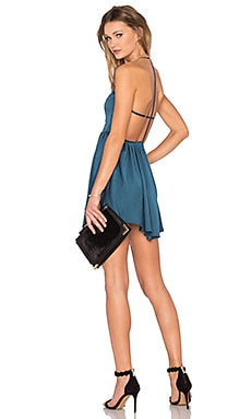 x REVOLVE Get Out Dress en Deep Sea