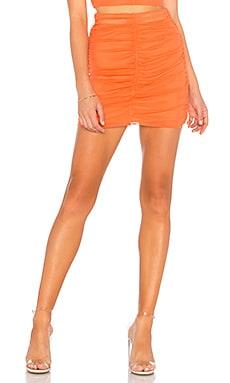 Фото - Присборенная мини-юбка sydel - NBD оранжевого цвета