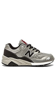 New Balance MRT580 in Grey Black