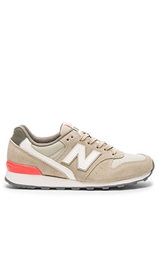 New Balance 696 Summer Utility Sneaker in Beach Sand & Dragonfly