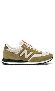 New Balance 620 Summit Sneaker in Green Olive & Beach Sand