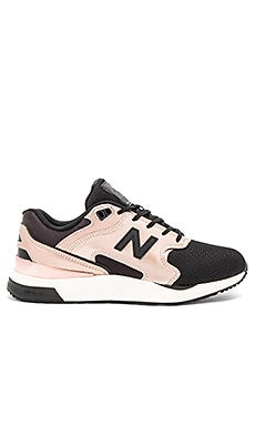 New Classics Sneaker em Metallic Rose & Black