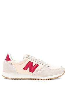 220 Sneaker