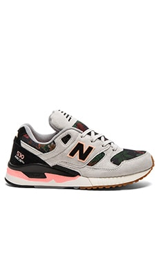 New Balance 90's Running Floral Ink Sneaker in Steel & Black & Cosmic Coral