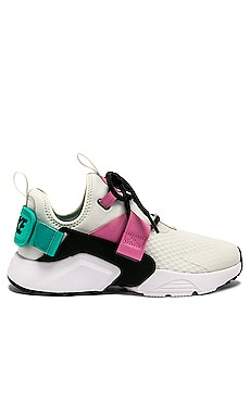 AIR HUARACHE CITY LOW 스니커즈 Nike $120 신상품