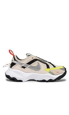 TC 7900 LX Sneaker Nike $120