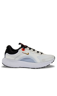 Escape Run Sneaker Nike $100 NEW