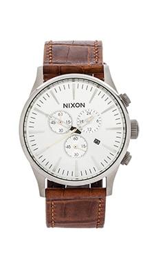 Nixon The Sentry Chrono Leather in Saddle Gator