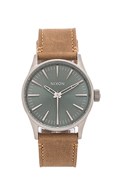 Nixon The Sentry 38 Leather in Saddle & Sage