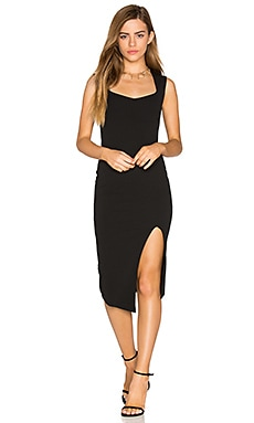 Captivate Square Neck Midi Dress en Negro