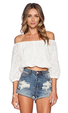 Nikki Reed for REVOLVE Hadley Top en Crème