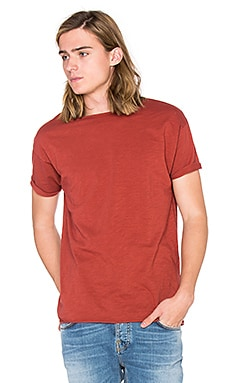 Nudie Jeans Raw Hem Slub T Shirt in Red