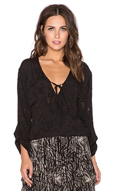 Nue Loane Top in Noir