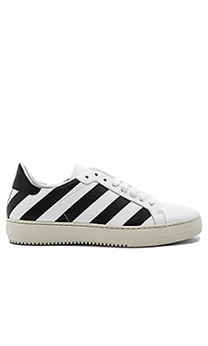 Classic Diagonals Sneakers en White & Ice Grey