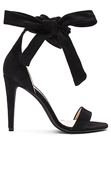 Bow Sandals in Schwarz