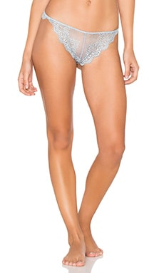 So Fine Lace Thong en Silver Blu