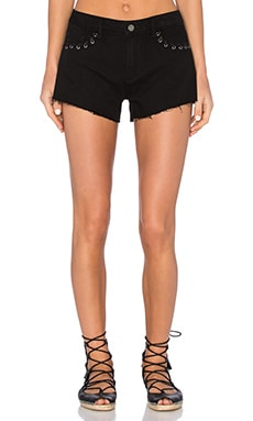 Keira Short en Black Hawk Lace Grommet