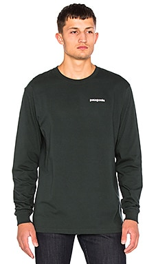 Patagonia P-6 Logo Long Sleeve Tee in Carbon