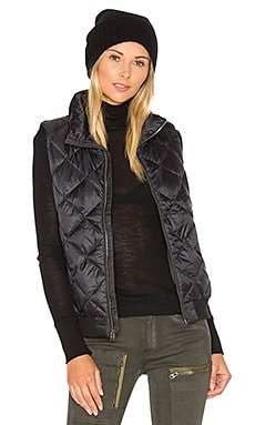 Prow Bomber Vest in Black