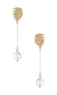 Kylie Earrings petit moments $30