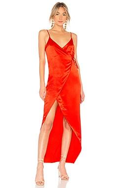 Фото - Платье с завязкой на талии hansini - Privacy Please красного цвета