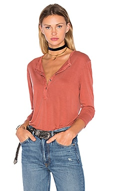 Wilde Long Sleeve Henley in Pigment Persimmon