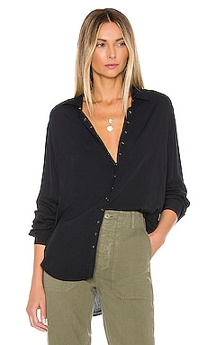 TOP CON BOTONES BUTTON DOWN PISTOLA $98