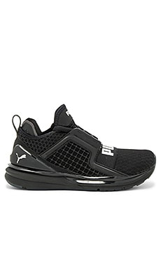 Ignite Limitless Sneaker in Puma Black