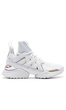 Duel Rise Sneaker