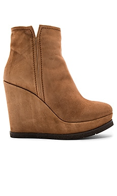 Wedge Boot in Noce
