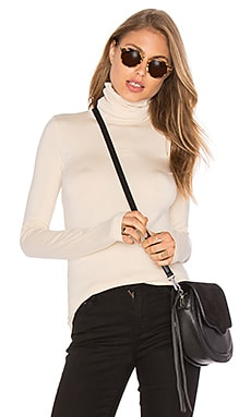 Basic Turtleneck in Cream