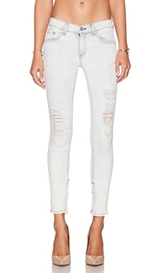 rag & bone/JEAN The Zipper Capri in Shredded Bleachout