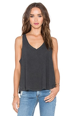 rag & bone/JEAN Audrey V Neck Tee in Washed Blck