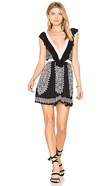 Ventura Ruffle Short Dress en Black & White