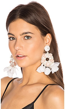 Chandelier Earring in Zartrosa