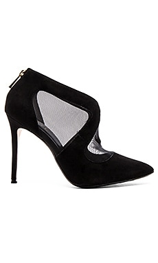 RAYE Tabitha Pump in Black