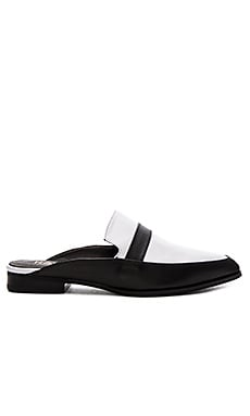 RAYE Kara Flat in White & Black