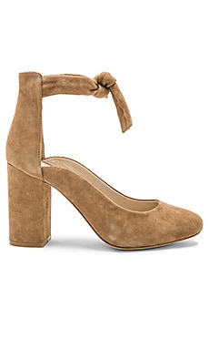Hettie Pump in Tan