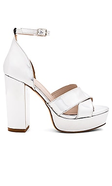 Levi Heel in Metallic Silver. - size 6 (also in 10,5.5,6.5,7,7.5,8,8.5,9,9.5) Raye