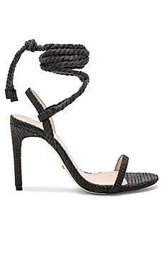 Купить Туфли на каблуке с открытым носком adelaide - RAYE черного цвета