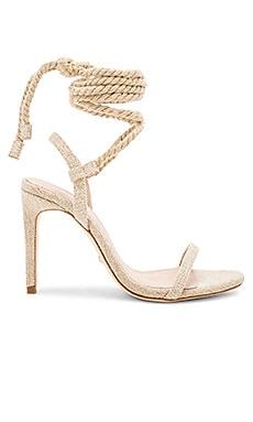 Купить Туфли на каблуке с открытым носком adelaide - RAYE цвет беж