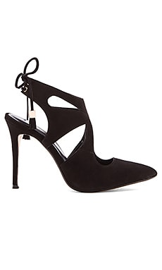RAYE Tellie Pump in Black