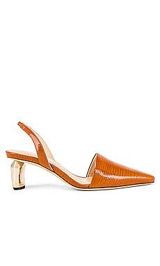 Босоножки - REJINA PYO Туфли на каблуке фото