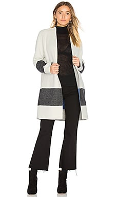 Elgin Blanket Coat en Blanc & Black