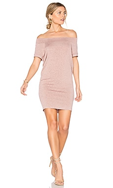 Dwight Off Shoulder Tunic Dress en Tea Rose